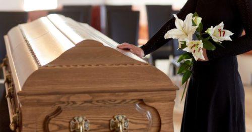 Chọn ngày giờ chôn cất người đã khuất